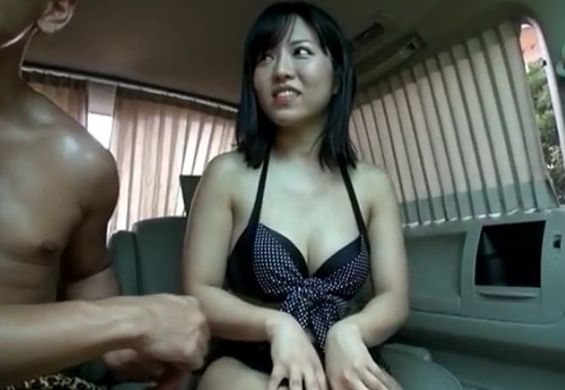 ナンパGET!ビキニのむっちり素人さんを車内でハメる♡